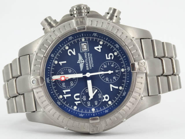 online retailer d8971 1fc4c Breitling Avenger chrono, reference E13360